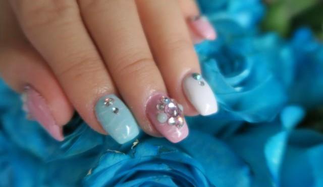 Of Florals & Garden Inspired Nails